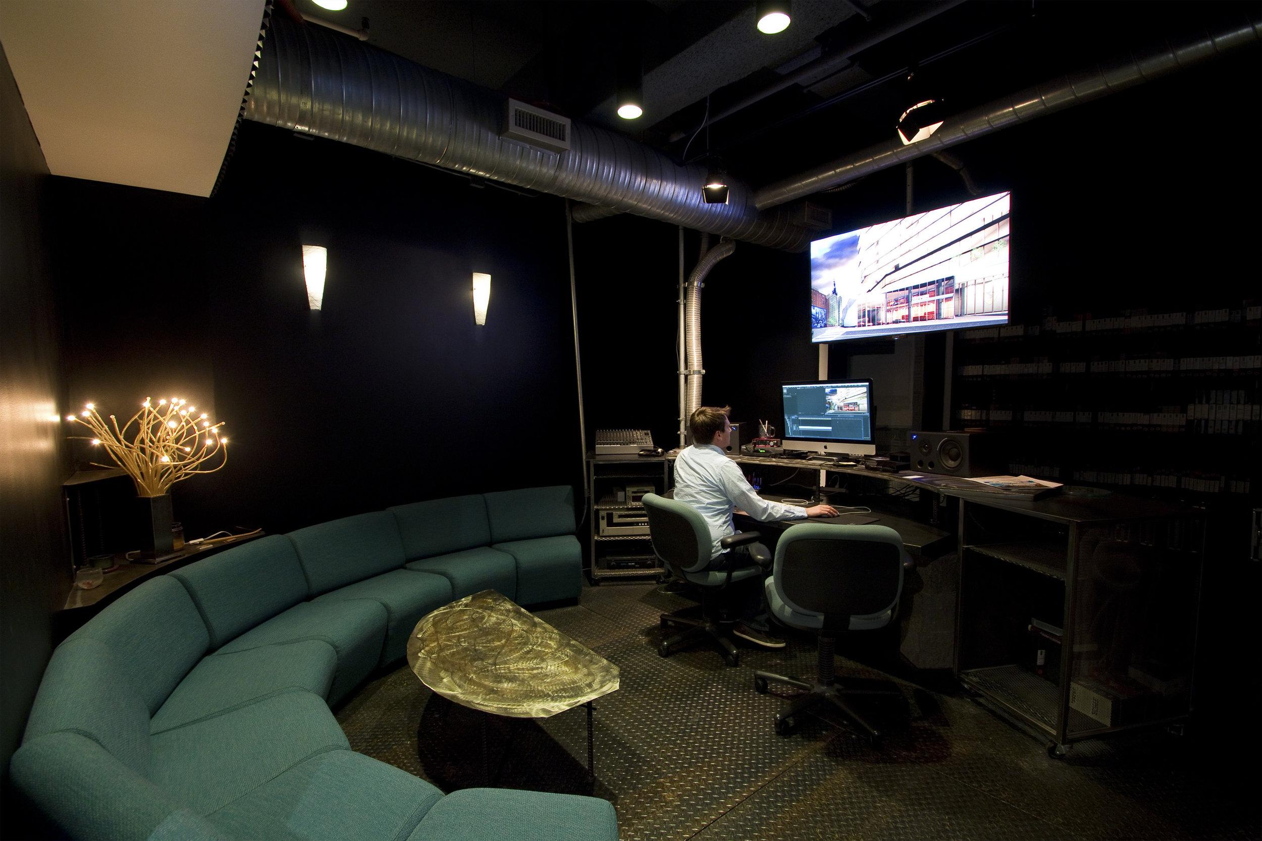 caxton building customizable video editing studio
