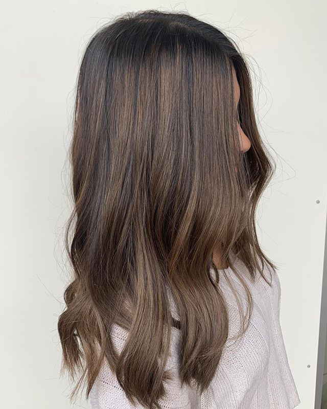 ▫️ hazel kiss ▫️ Stylist: Olivia.  #goodhair #goals #balayage #annarborhair #trichosalonandspa #annarborsalon #brunettebalayage #colormelt #paintedhair #highlights #hairinspo #haircolor #haircut #trichoa2 #annarbor #briarwoodmall #annarborbalayage #hair #hairstyles #michigansalon #colorenvy #balayaged #michiganstylist #sunkissed #hairideas #hairoftheday #inspiration #newhair #nofilter @american_salon @modernsalon @hairbrained_official @behindthechair_com