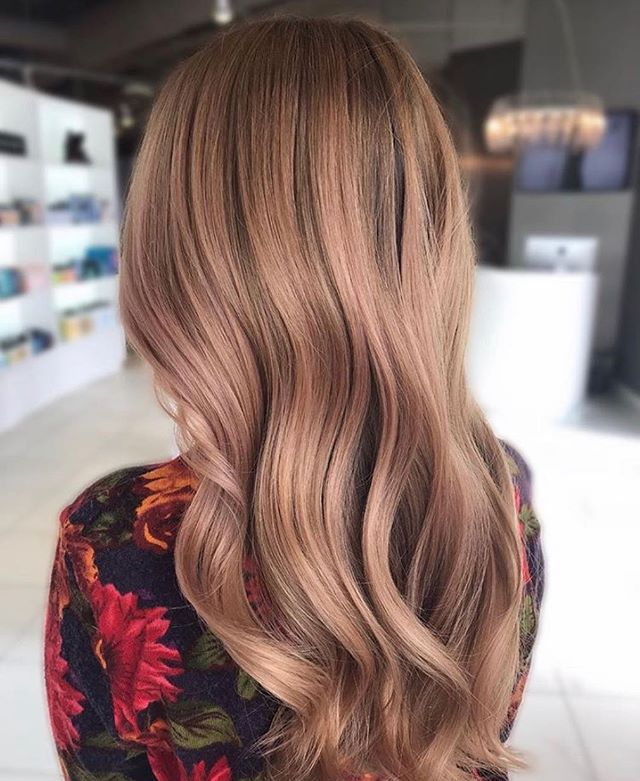 s t r a w b e r r y  s h i m m e r ✨  Stylist: Mariah.  #goodhair #haircolor #inspiration #annarborsalon #michigansalon #briarwoodmall #annarbor #hair #hairinspo #hairstyles #strawberryblonde #healthyhair #longhair #trichoa2 #balayage #annarborstylist #annarborbalayage #michiganstylist #goldwellus #colormelt #blondehair #hairgoals #blonde #annarborhair #blondebalayage #dimensionalhair #nofilter @american_salon @behindthechair_com @modernsalon @bestofbalayage @hairbrained_official