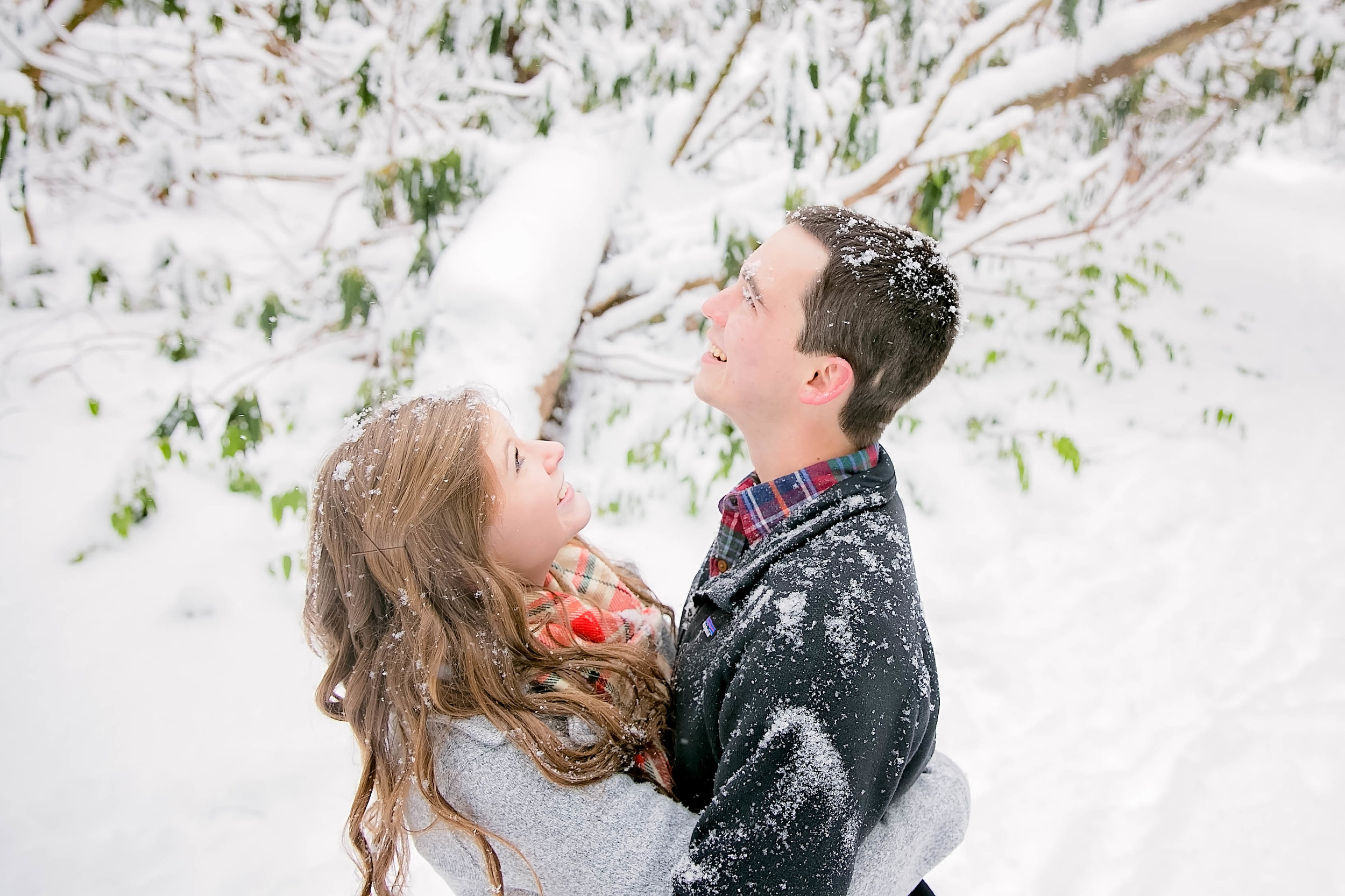 East Tennessee romantic snowy engagement