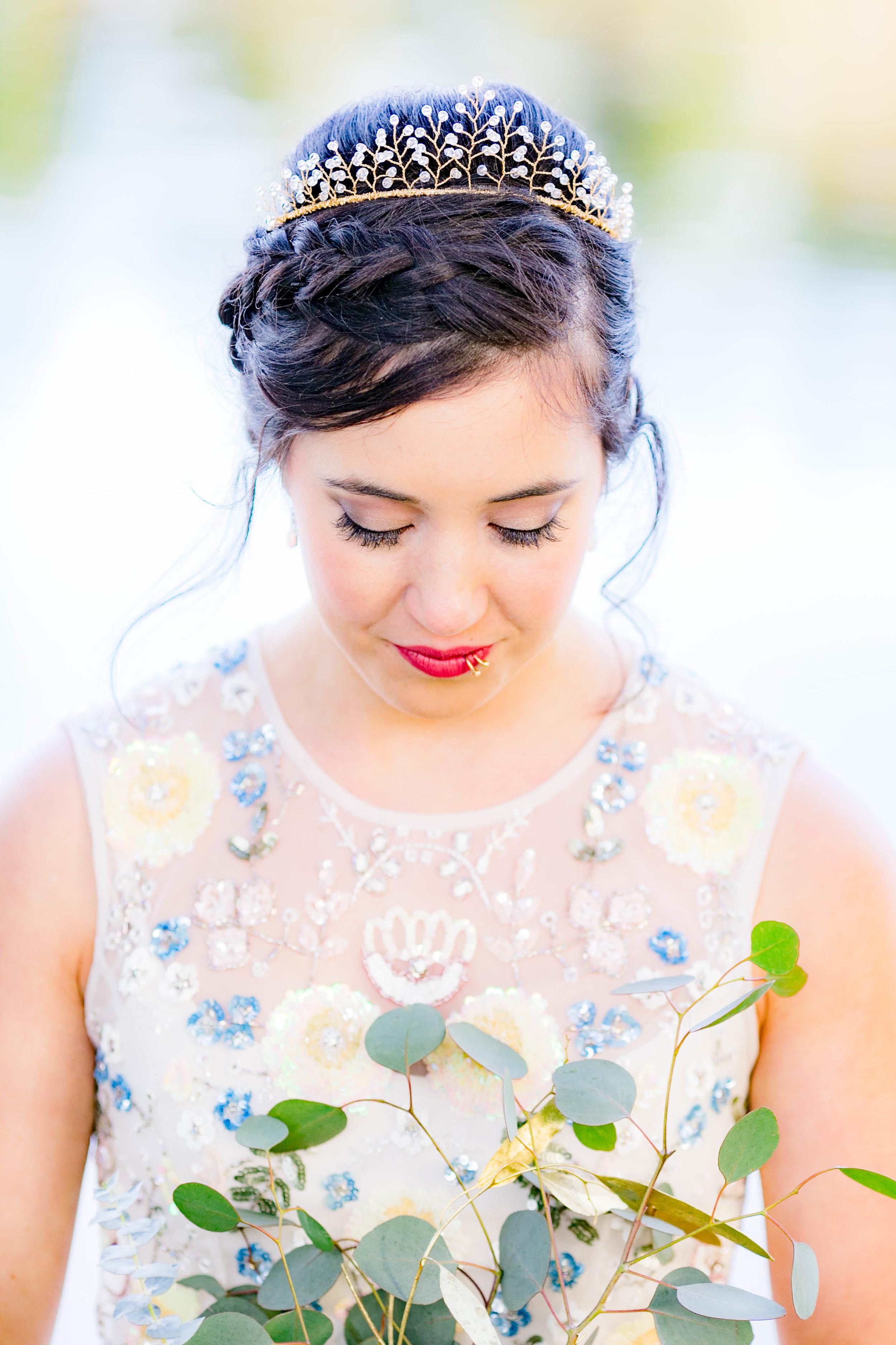 Bridal tiara, bridal makeup, bridal bouquet