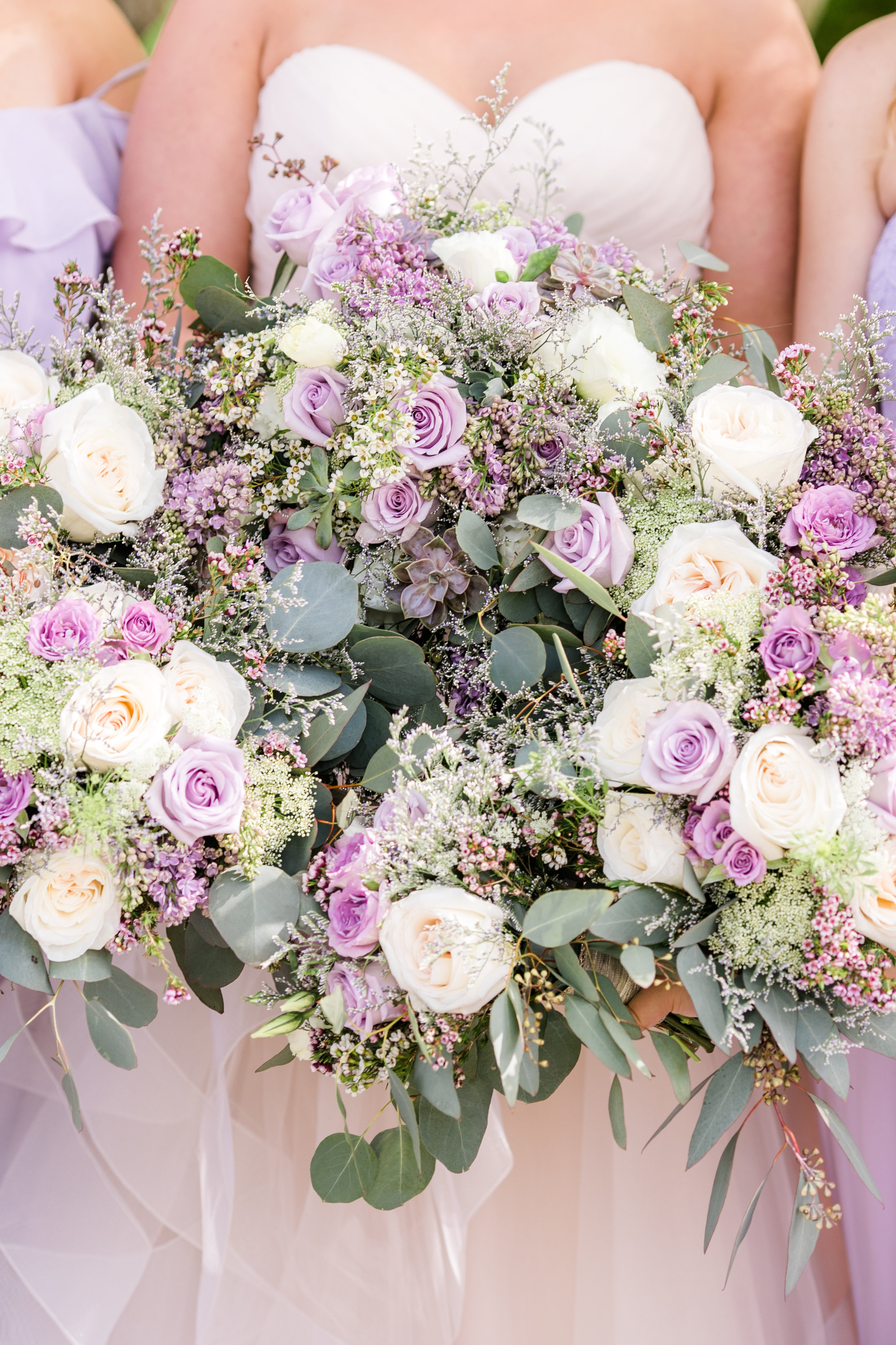 Wedding party, bridal party, wedding florals, bridesmaid bouquets