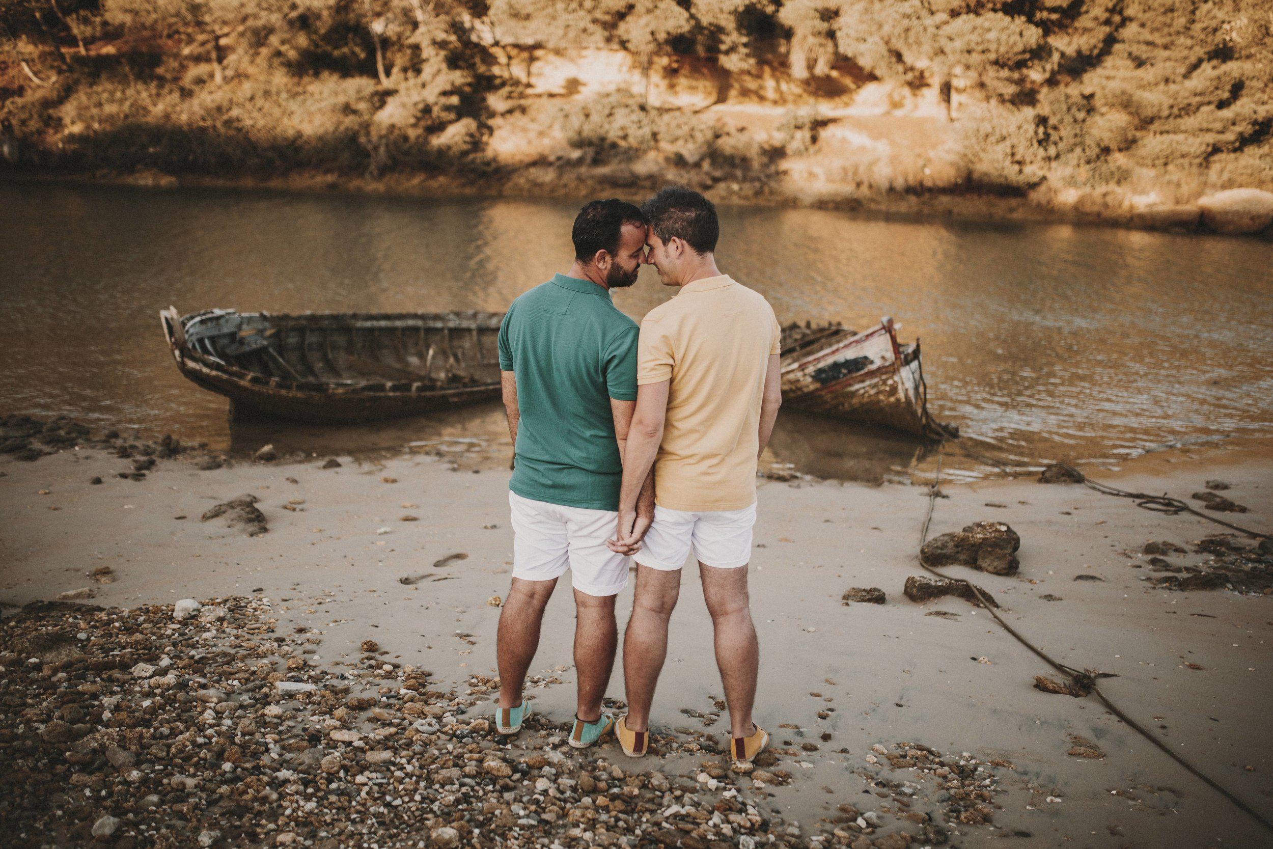 pareja gay en barco, fénix visual
