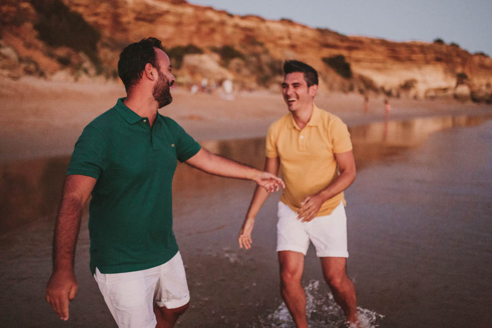 paseo por la playa, fenix visual