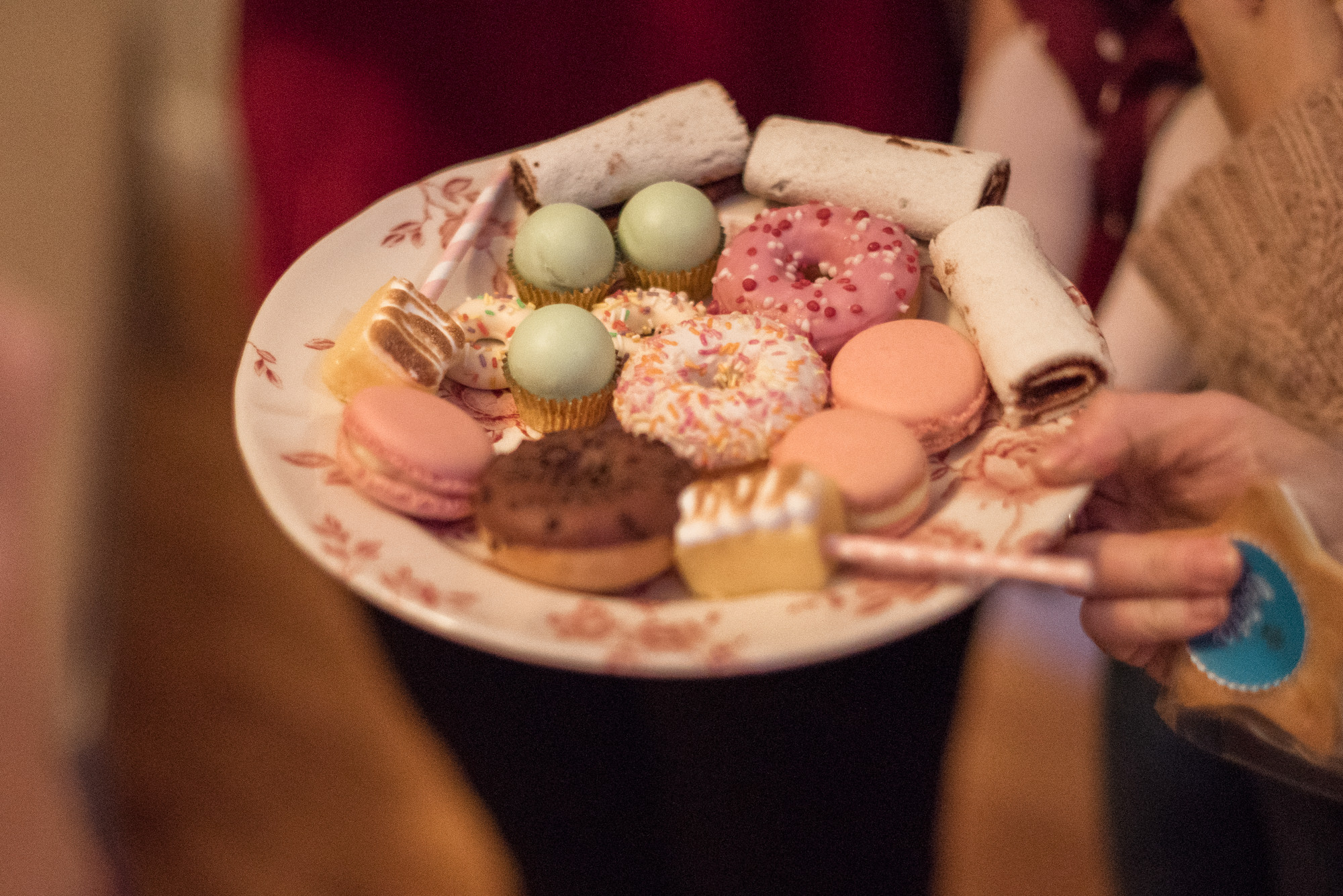 donuts, 21 marzo catering, miss cavallier, fénix visual,