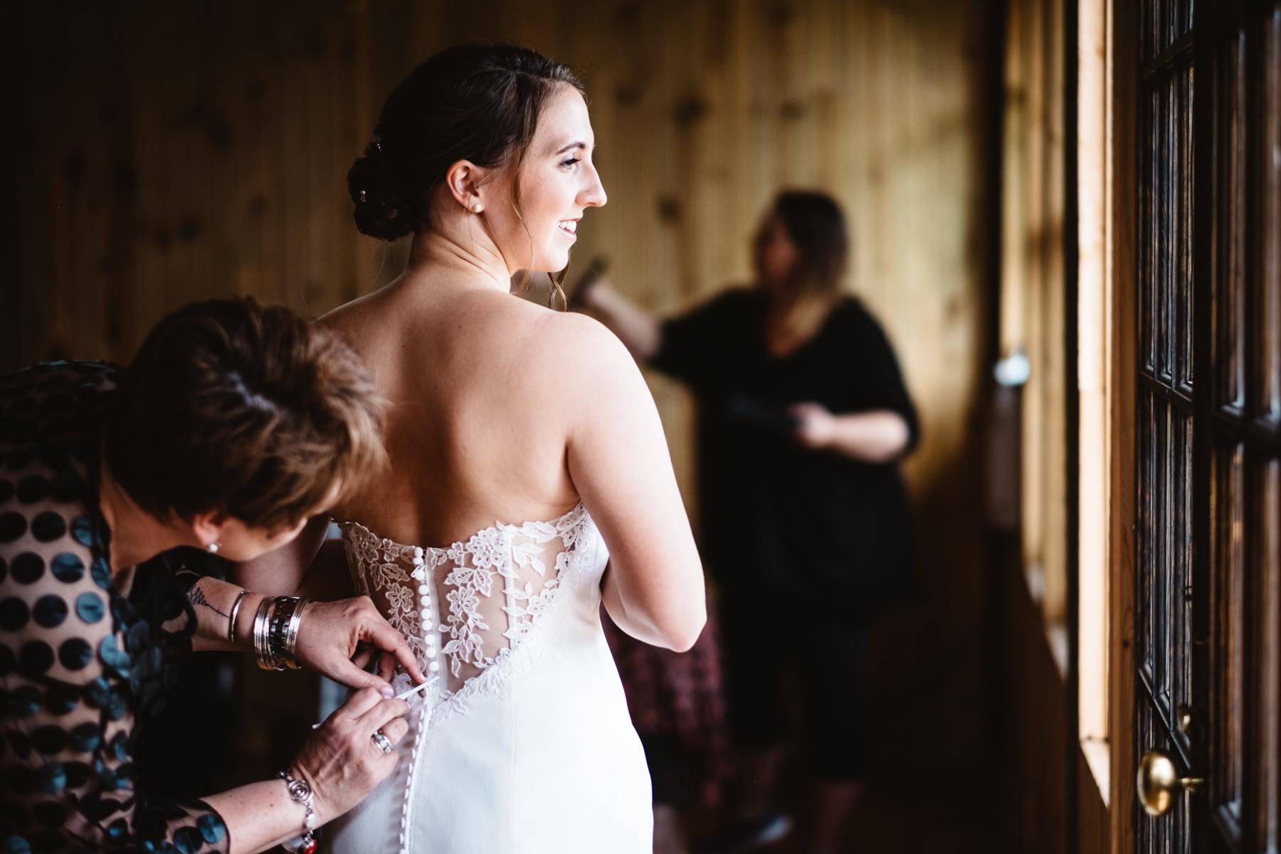 Chelsie+Mike-Lone-Hawk-Farm-Wedding-009.jpg
