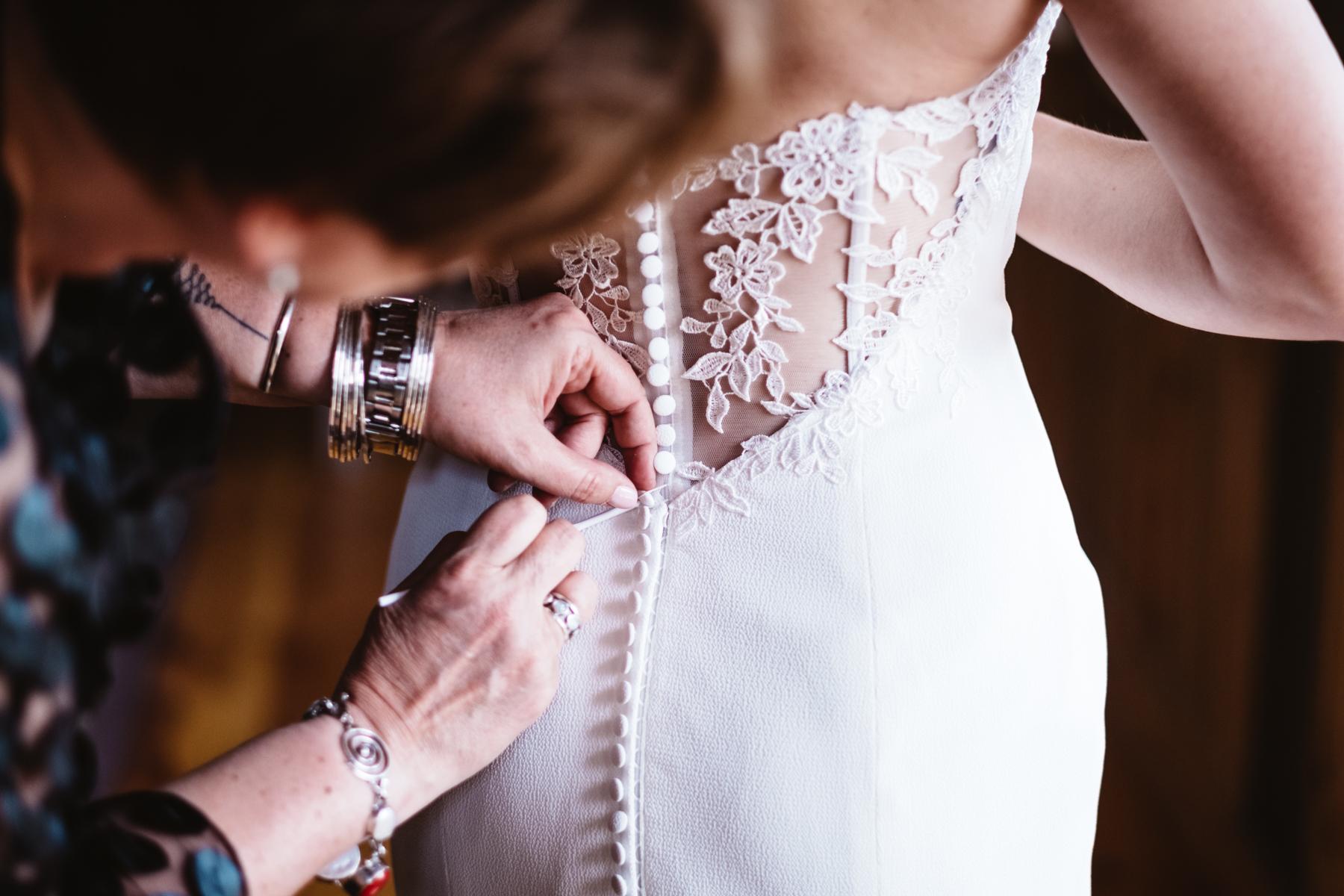 Chelsie+Mike-Lone-Hawk-Farm-Wedding-010.jpg