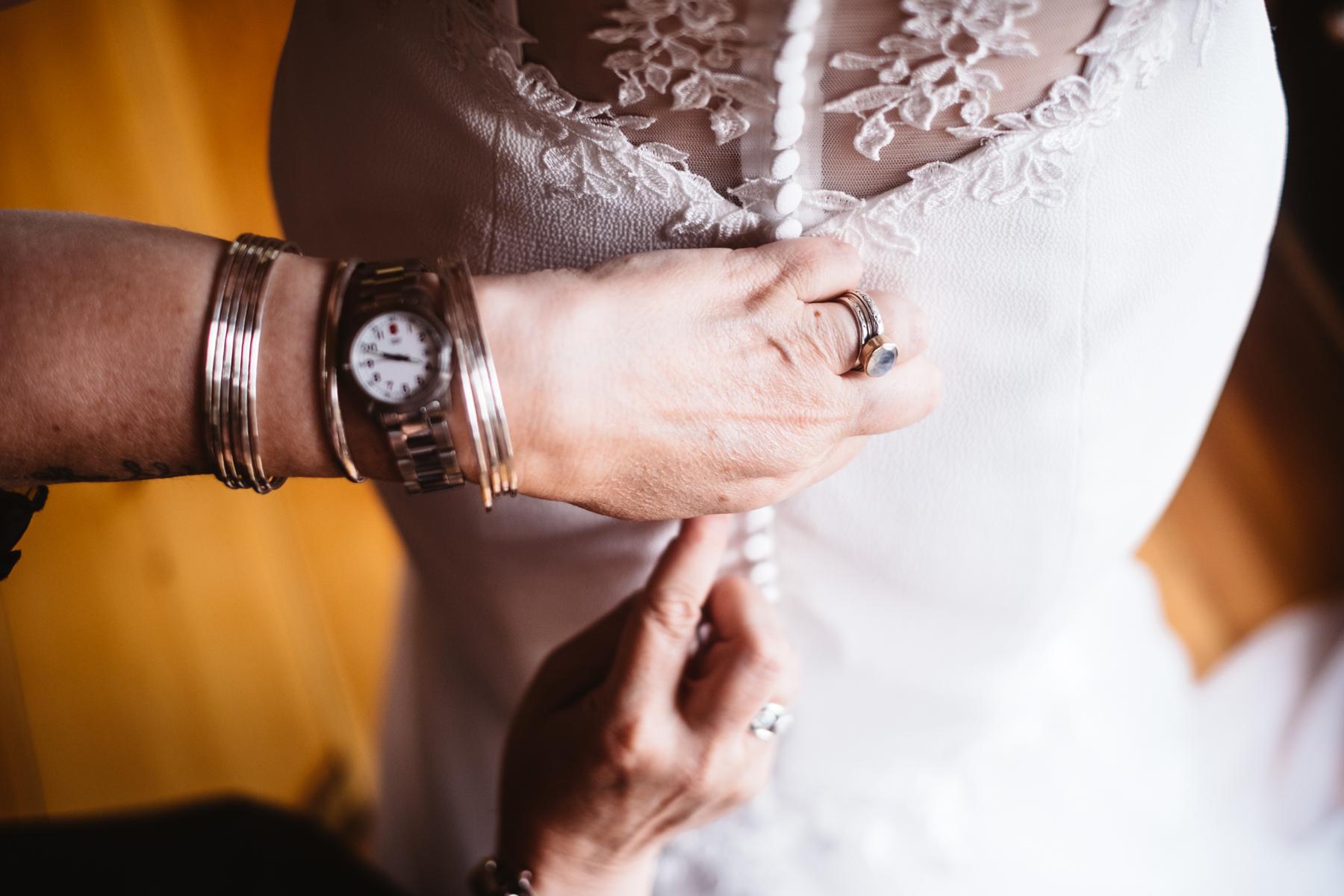 Chelsie+Mike-Lone-Hawk-Farm-Wedding-011.jpg