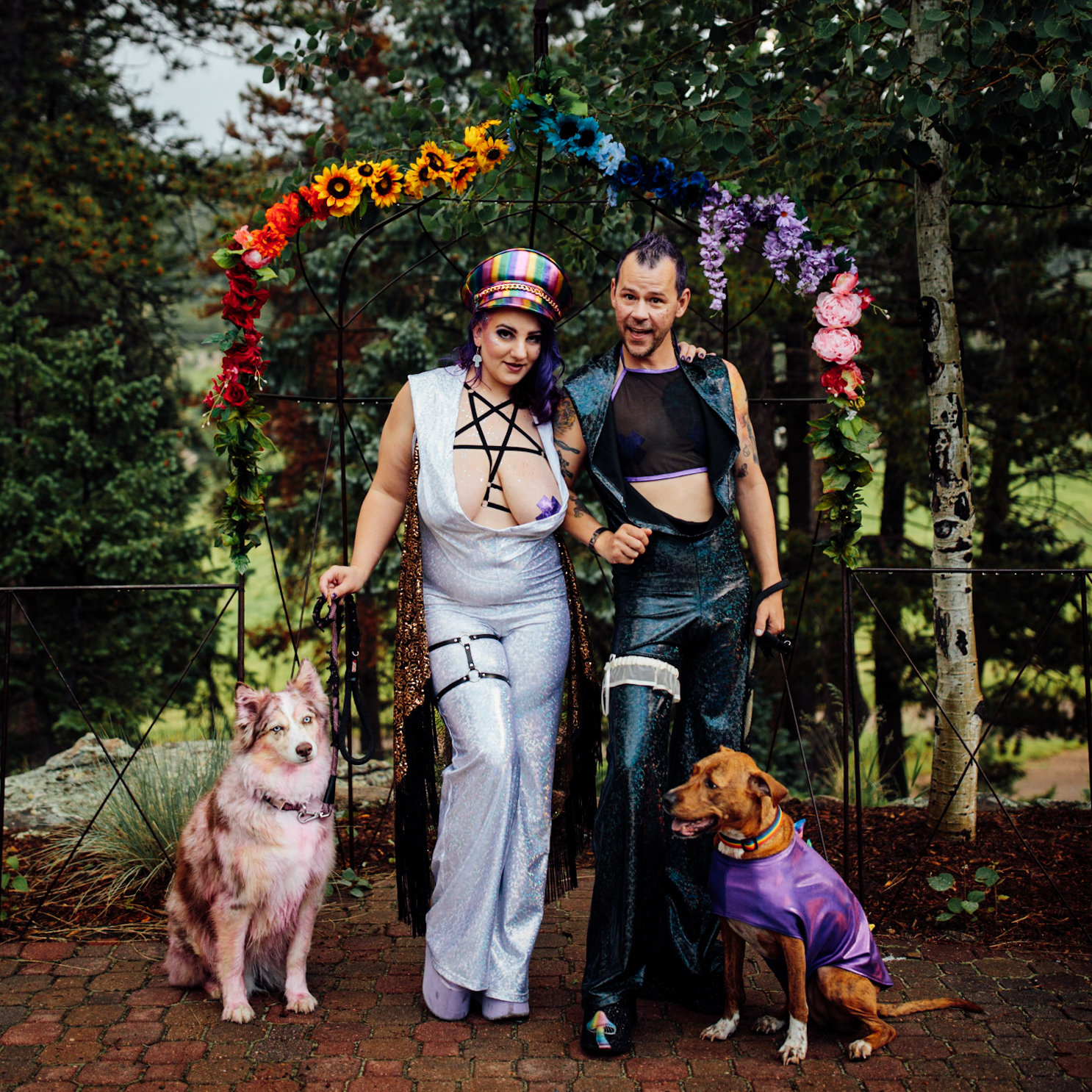 These two had their darling pups in costumes with them at their Evergreen Red Barn venue!