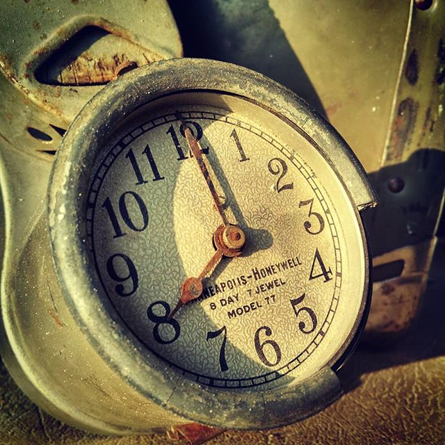 Eight  #clock #timetravel #vintage #treasures #pseudoscience #chrononauts #burningman #burningman2018