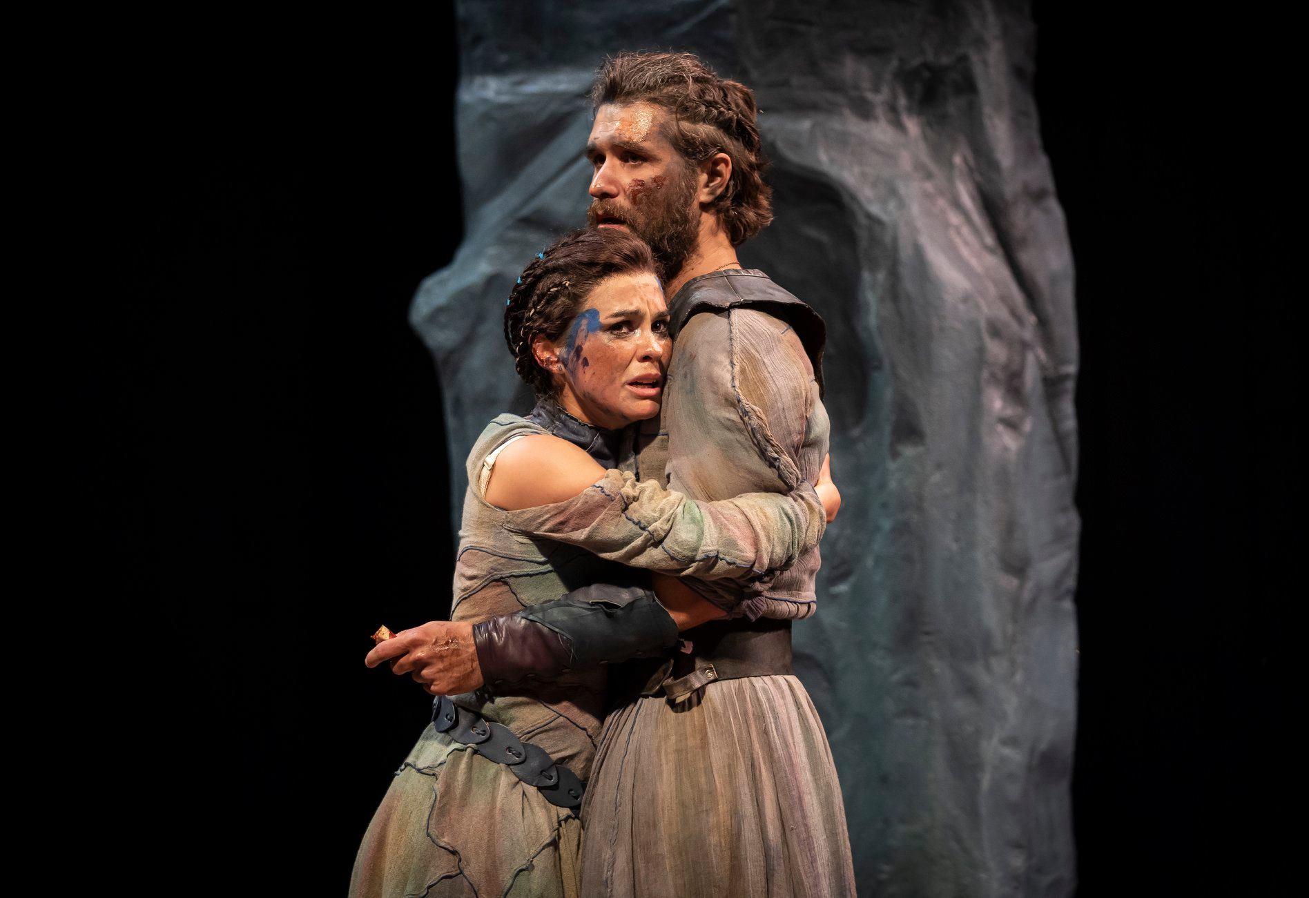 Lady Macbeth (Melisa Pereyra) and Macbeth (Marcus Truschinski). Photo by Liz Lauren.
