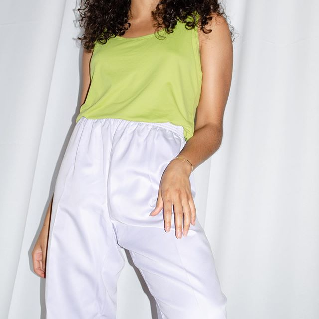 'Y on a Plane' stretchy high waisted soft pants in lavender ⋒ Too comfy to pass up [$32] #shopthrift #haulternativefashion