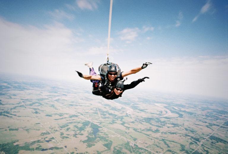 08_skydiving-768x518.jpg