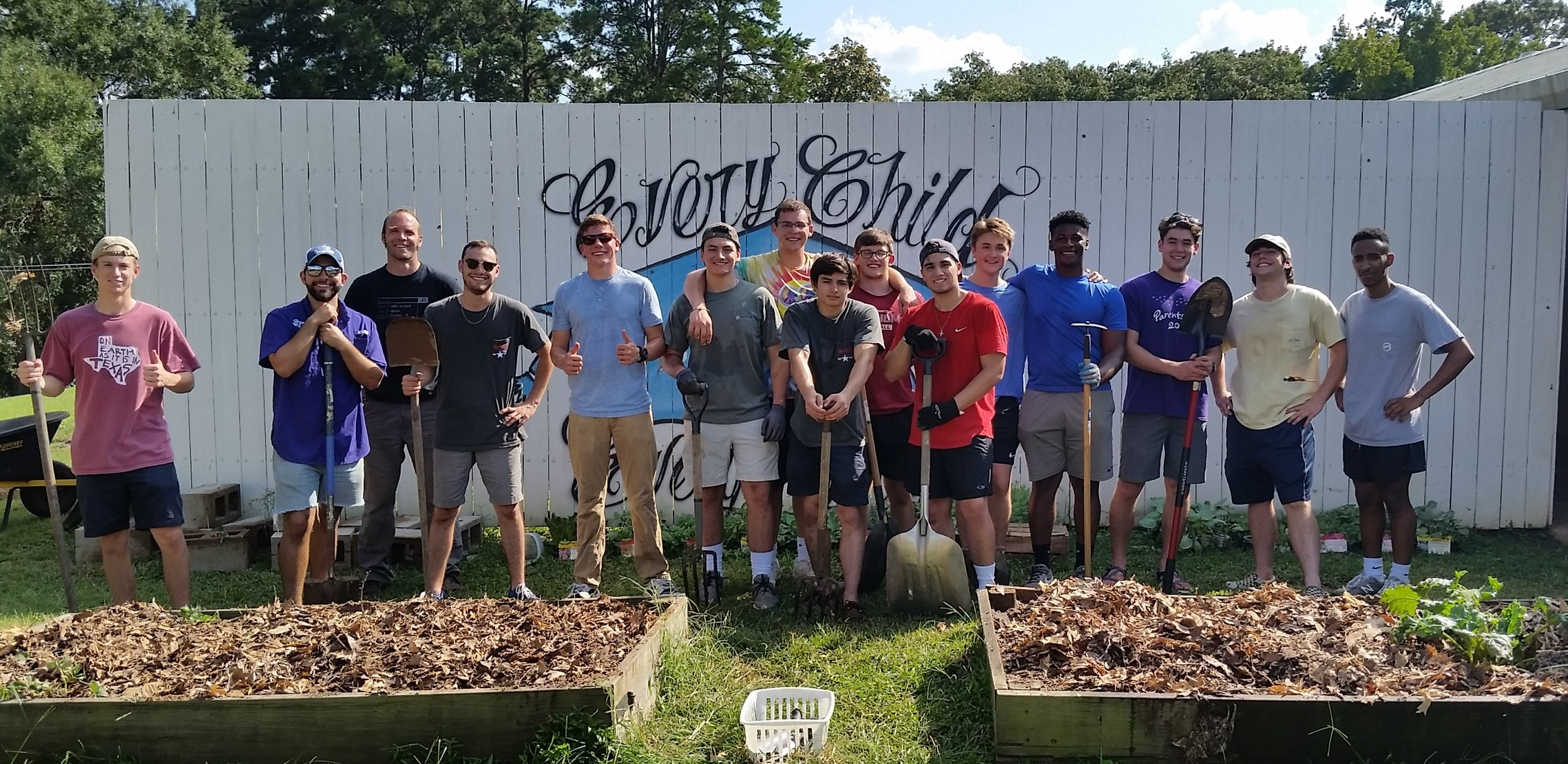 SFA Phi Delta Theta worked hard this fall to revamp the beds at Carpenter Elementary.