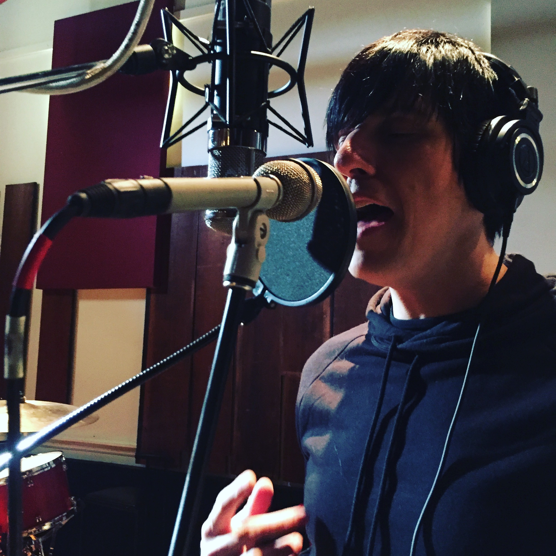 kj-vocals-two-cold-feet.jpg