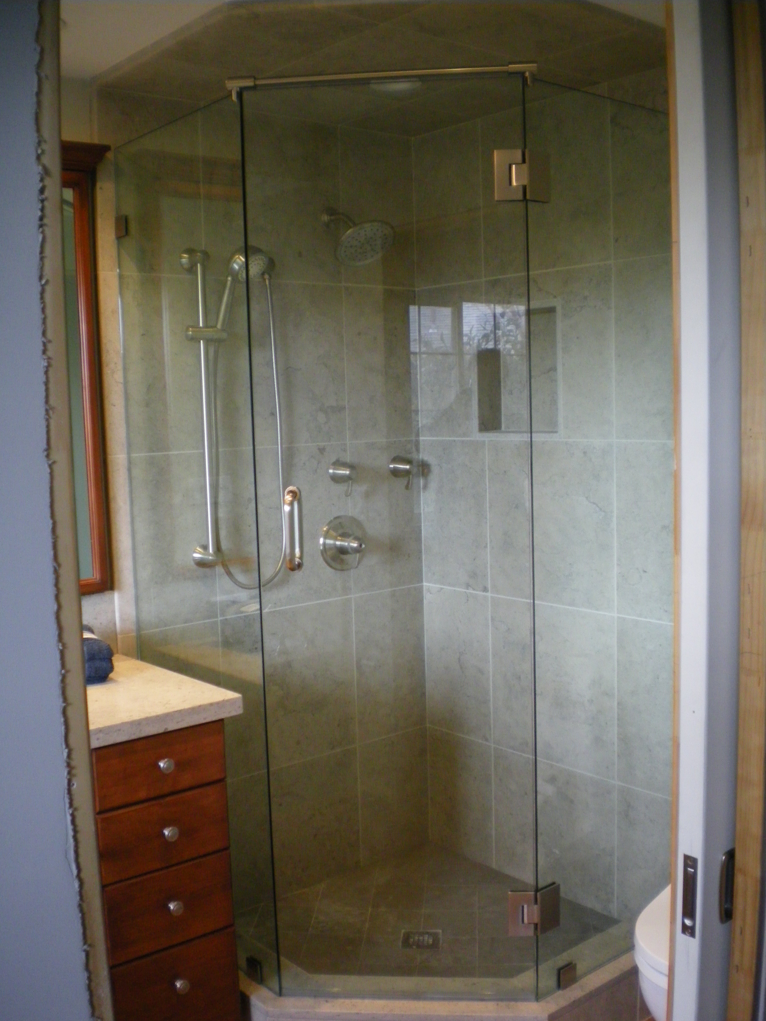Shower-Doors-Residential-Photos-8.jpg