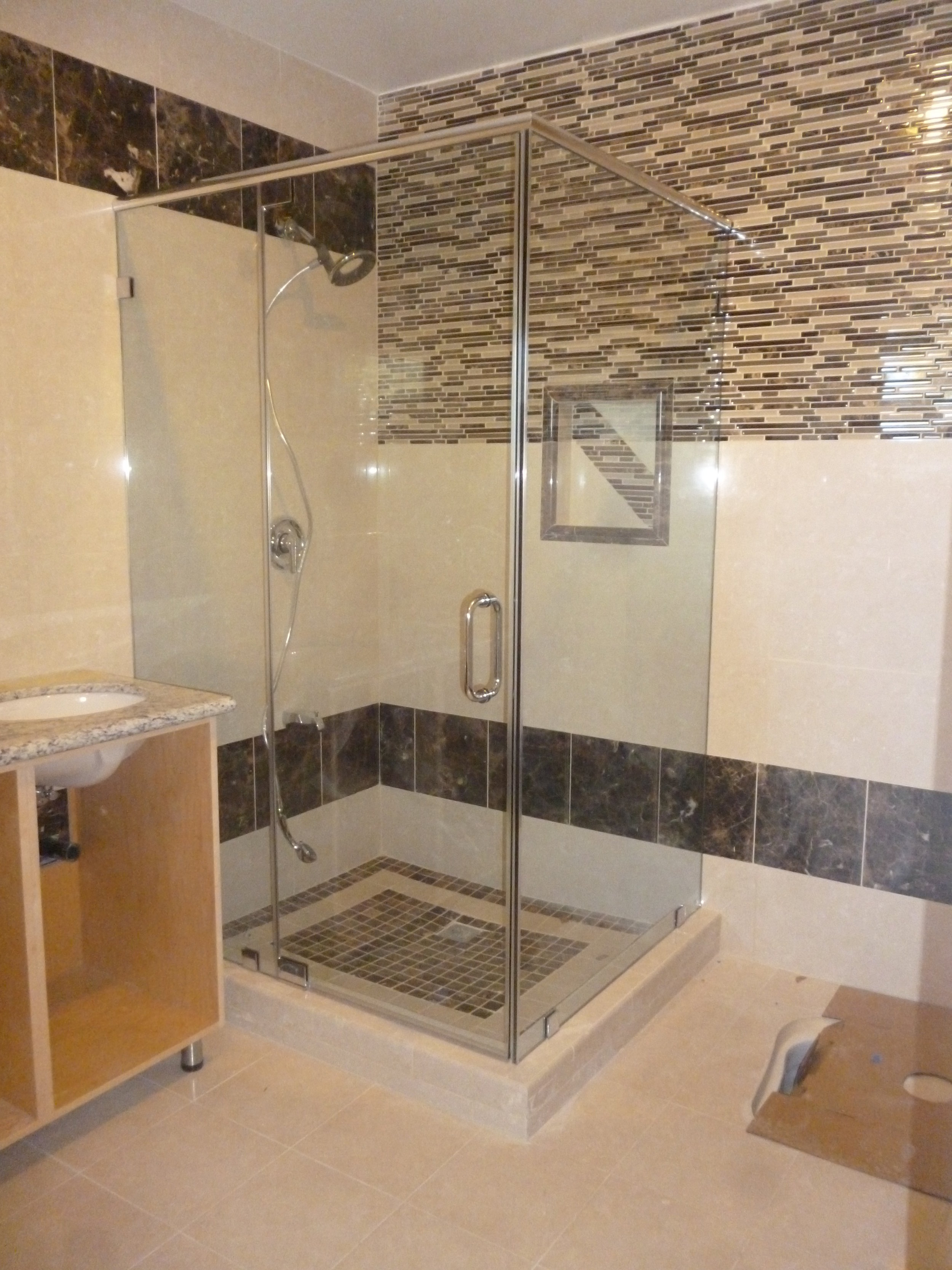 Shower-Doors-Residential-Photos-11.jpg