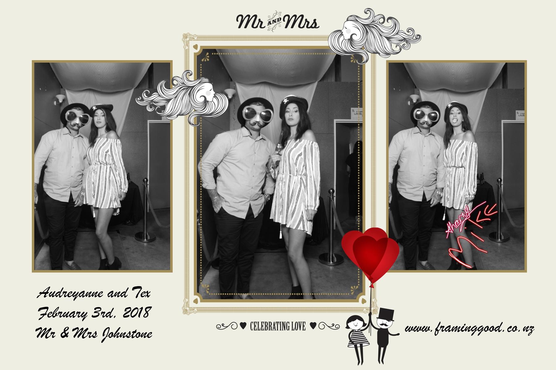 Framing Good Photo Booth_Wedding_Mirror Me.jpg