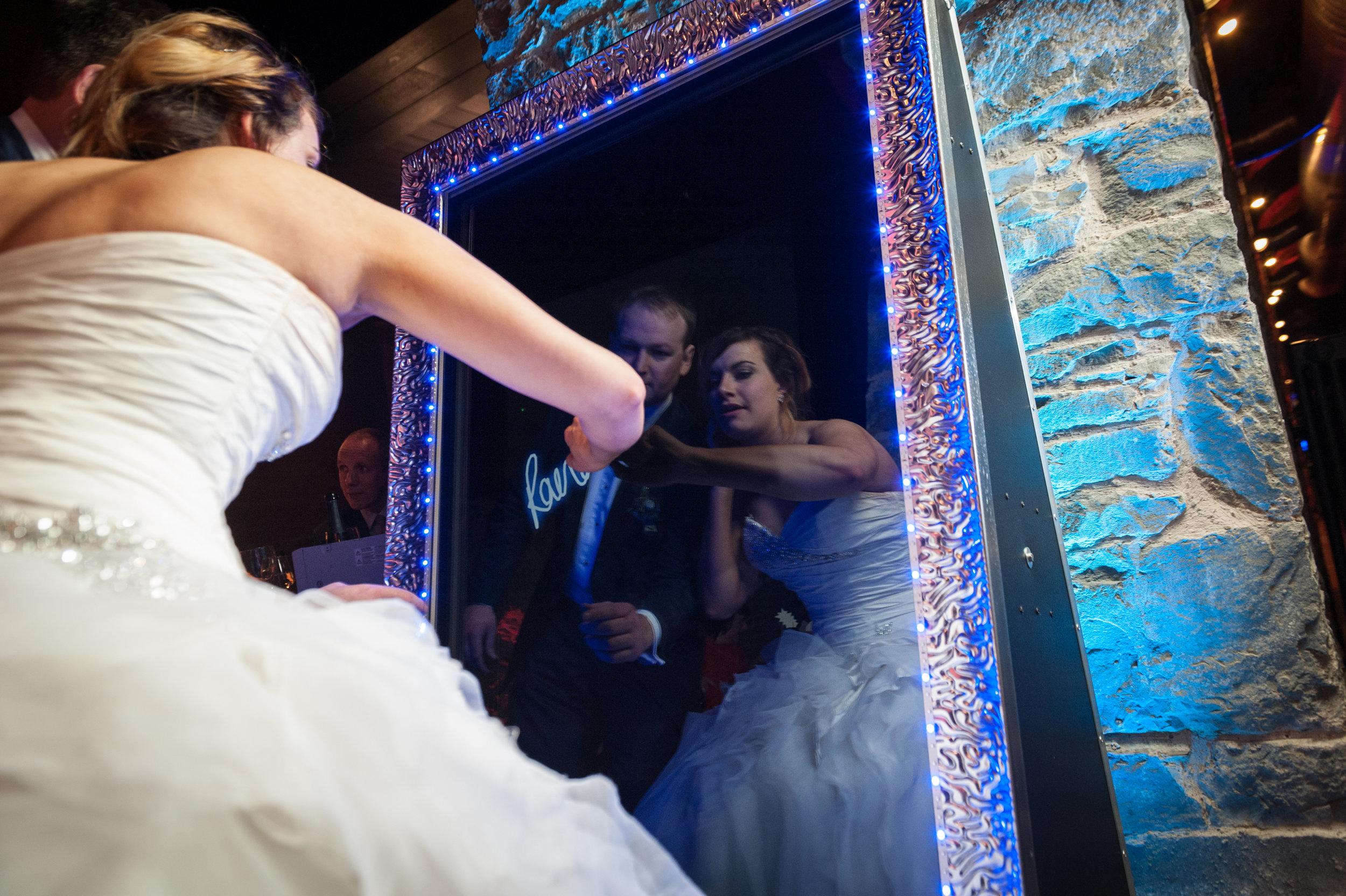 Framing Good Photo Booth_Mirror Me _Wedding.jpg