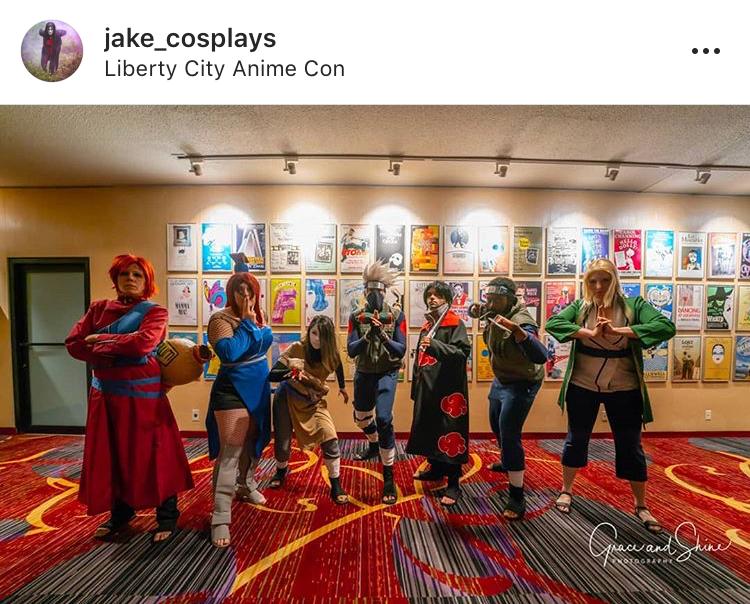 @Jake_cosplays with fellow panelists  @kofitnessnycosplay   @meeeowth_thats_wright   @vsol_cosplay   @momthecosplayer   @leavesfromthevine_cosplay