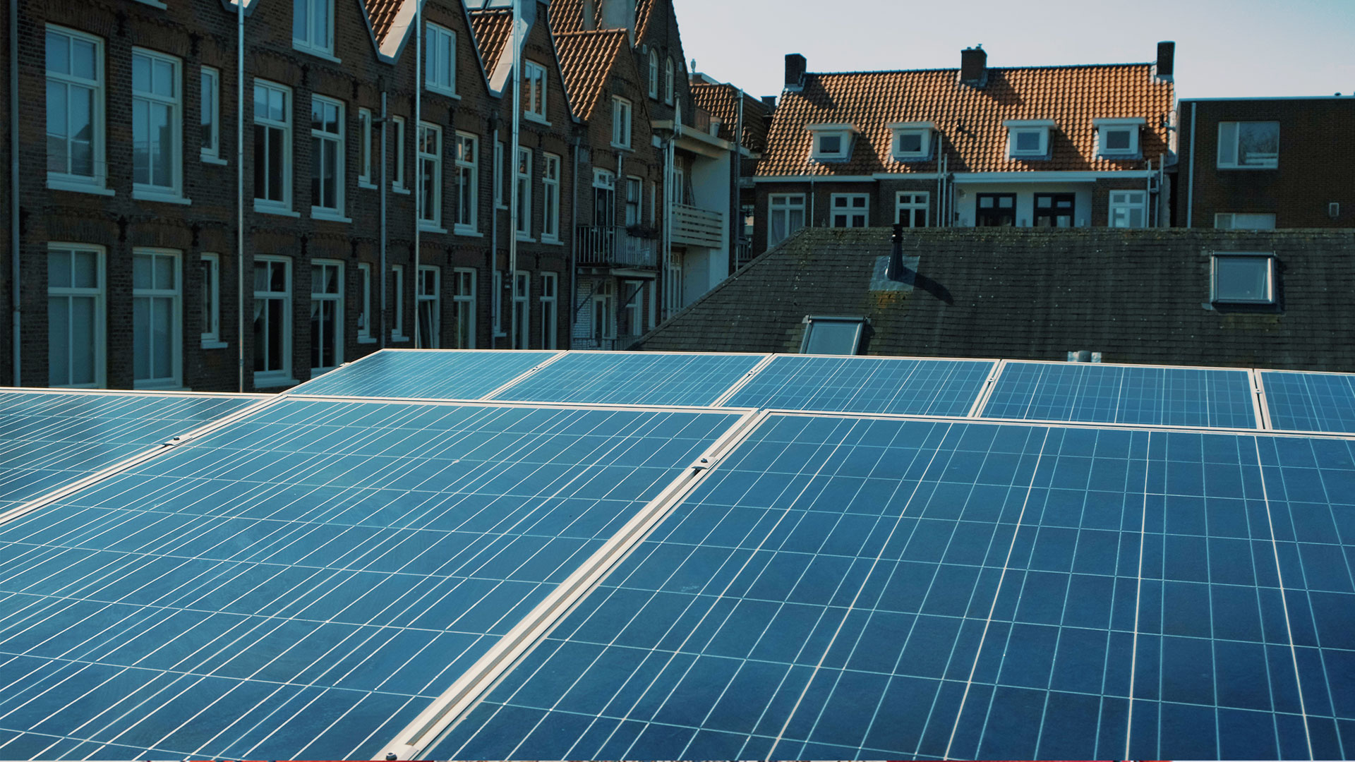 Solar Power - The sun generates more electricity in one hour then the world needs in an entire year. The solar panels on top of The Conscious Club cover their full usage of electricity. Eneco supplied this innovative system, to make sure The Conscious Club is self sufficient and ready for the future.