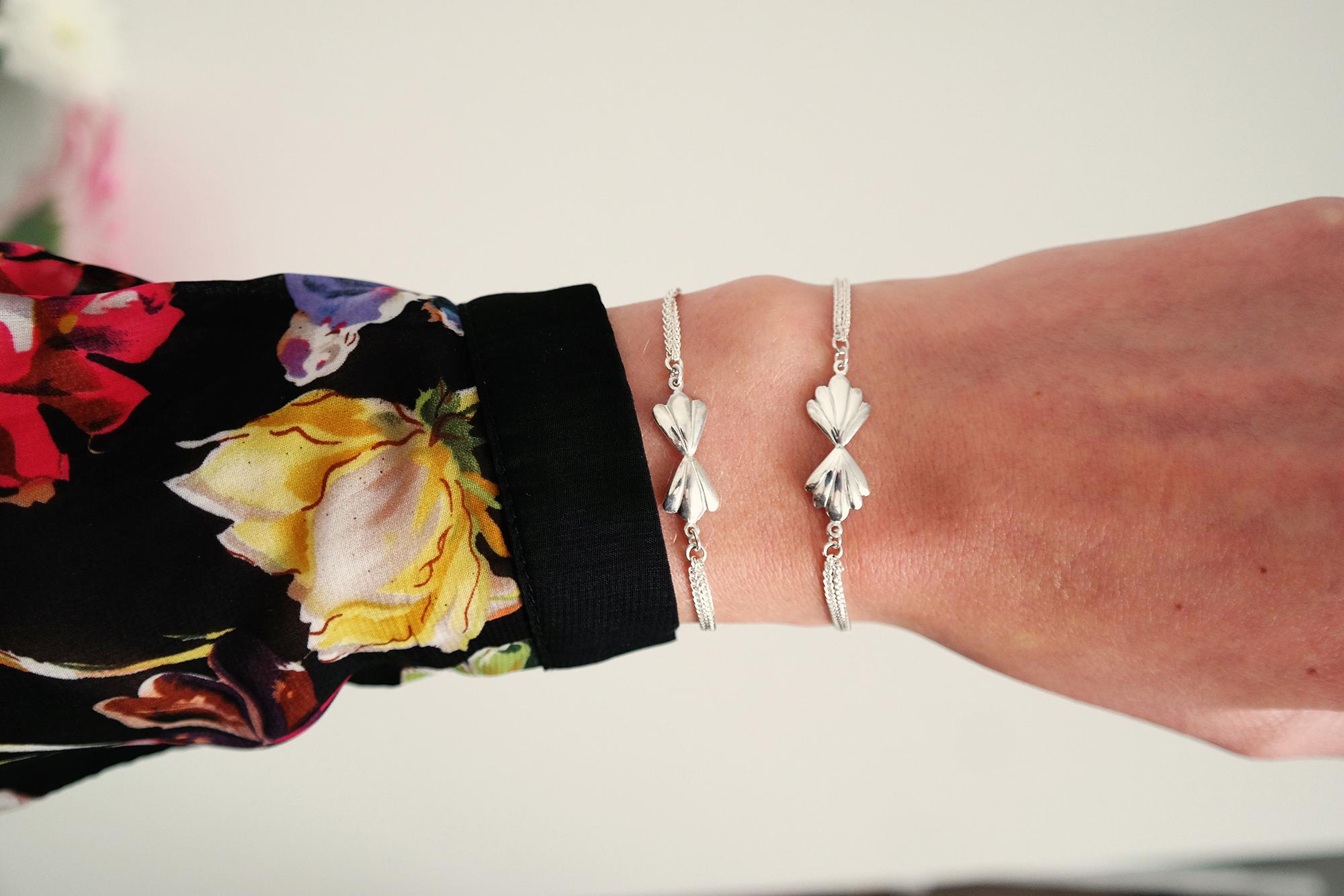 Flower bracelets wrist.jpg