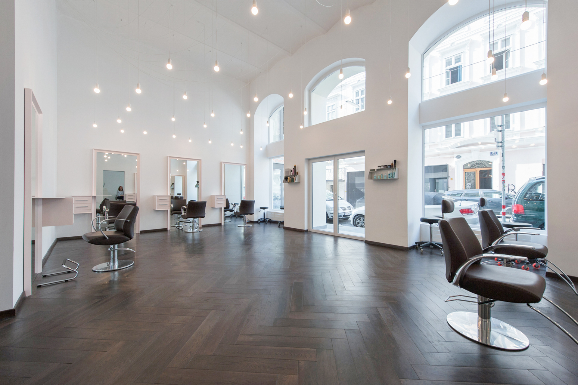 Salon 1060 — VYDEN SALON