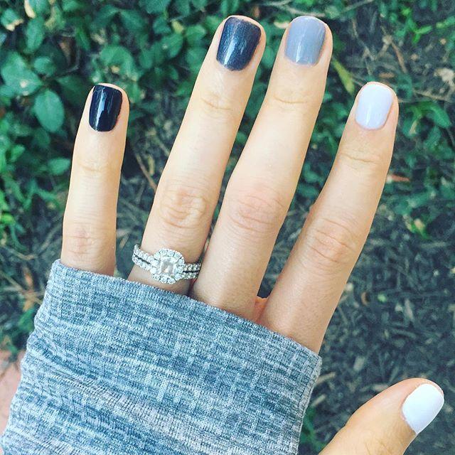 5 0 shades of gray. 🖤🖤🖤 #negativespacenails #nails
