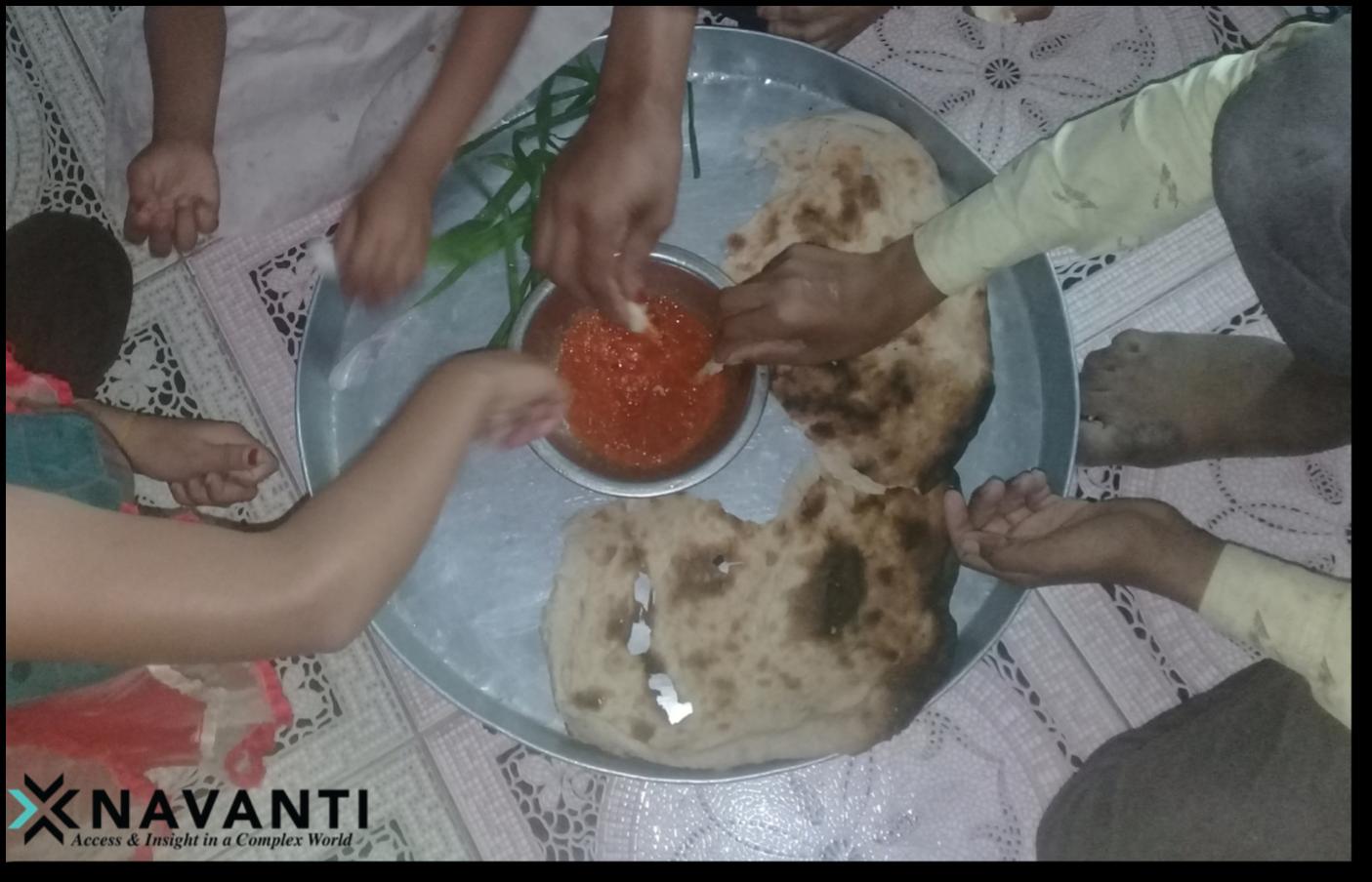 A family in Ta'izz shares a meal, Source: Navanti