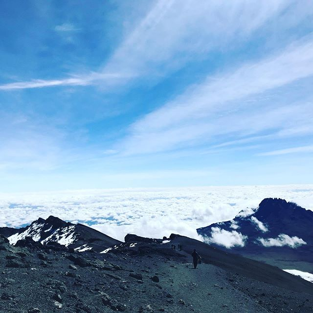 It is surreal to think that this time last year our club  reached the roof of Africa, truly an experience of a lifetime. ⠀⠀⠀⠀⠀⠀⠀⠀⠀⠀⠀⠀⠀⠀⠀⠀⠀⠀ ⠀⠀⠀⠀⠀⠀⠀⠀⠀⠀⠀⠀⠀⠀⠀⠀⠀⠀ The XP Club will be hosting trips to the great Kilimanjaro in 2020 so if you and your nearest and dearest fancy pushing yourselves to the limit please don't hesitate to message ! ⛰ ⠀⠀⠀⠀⠀⠀⠀⠀⠀⠀⠀⠀⠀⠀⠀⠀⠀⠀ ⠀⠀⠀⠀⠀⠀⠀⠀⠀⠀⠀⠀⠀⠀⠀⠀⠀⠀ #kilimanjaro #africa #lifechange #beauty #takeusback #greatness #kili #tanzania #africa #hiking #hike #fitfam #mountain #mountains #nature #livelife #sunset #wanderlust #adventuretime #climbing #walk #goodtime #beautifulworld #hikers #skyline #views #altitude #mountain #glaciers