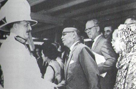19630915_waddell_leaving_sarawak_1a.jpg