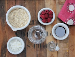 Raspberry and coconut overnight oats