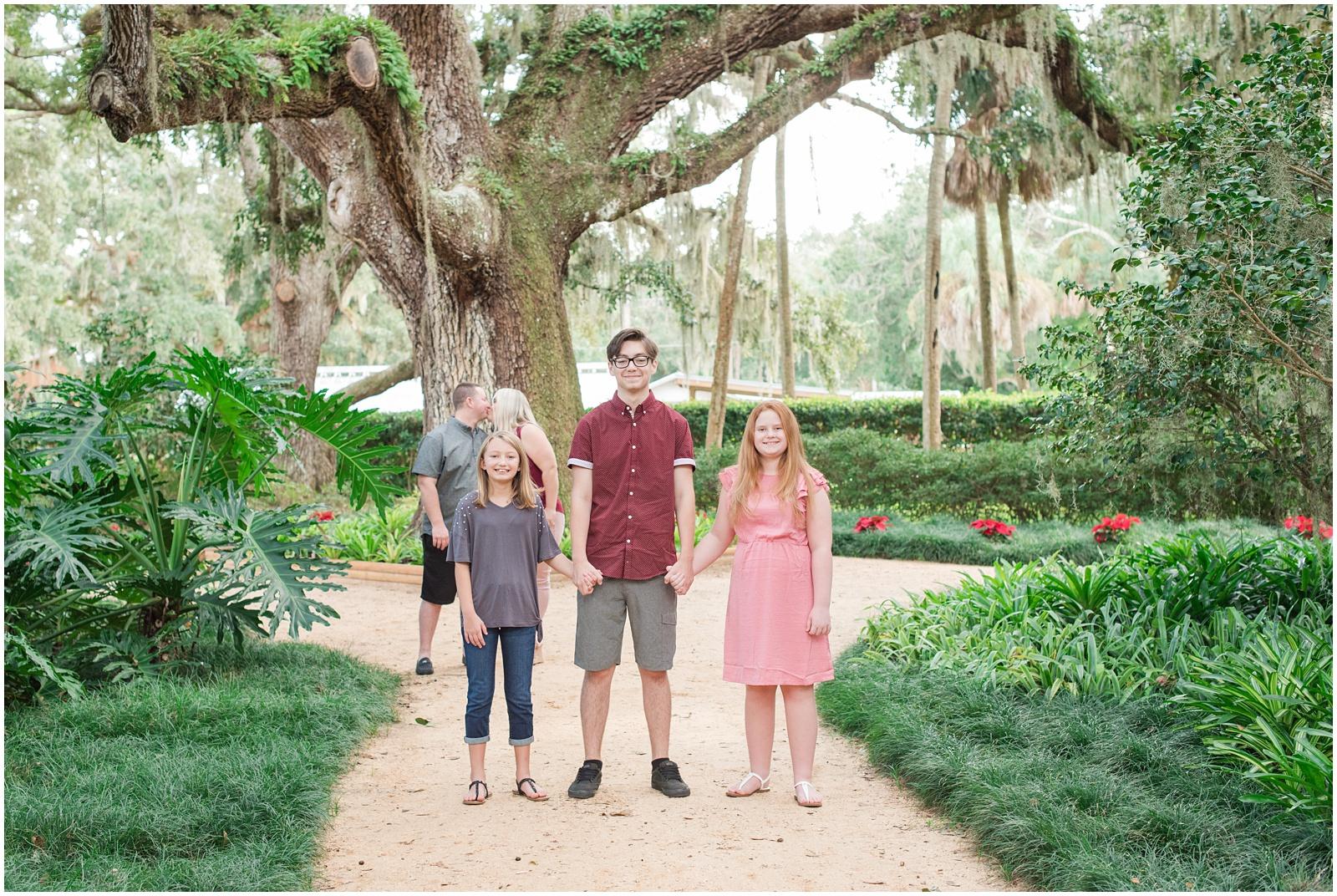 Washington Oaks_Garden_State Park_Beach_Family_Portraits_7.jpg