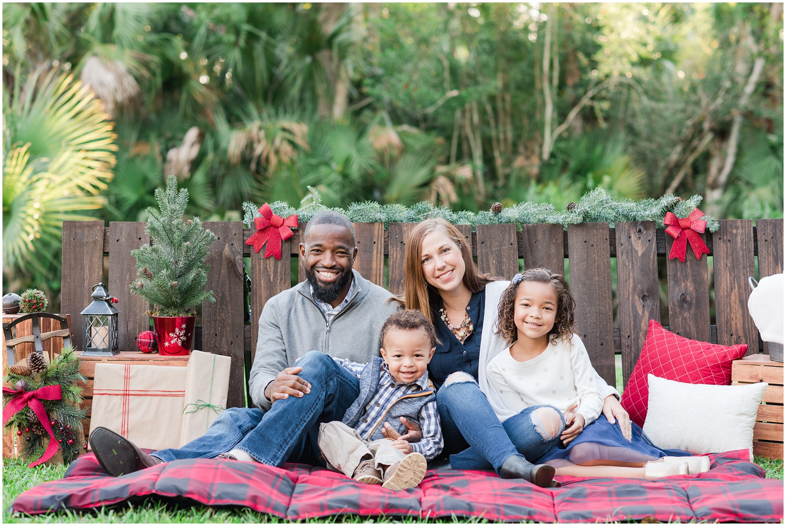Christmas_Mini Sessions_Holidays_Howell Park_Jacksonville_Florida_1.jpg