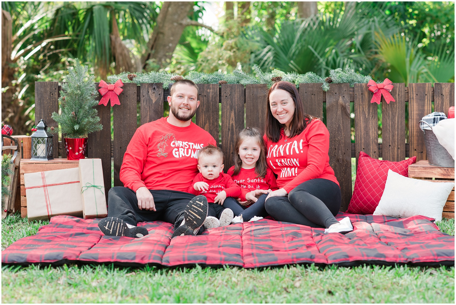Christmas_Mini Sessions_Holidays_Howell Park_Jacksonville_Florida_15.jpg