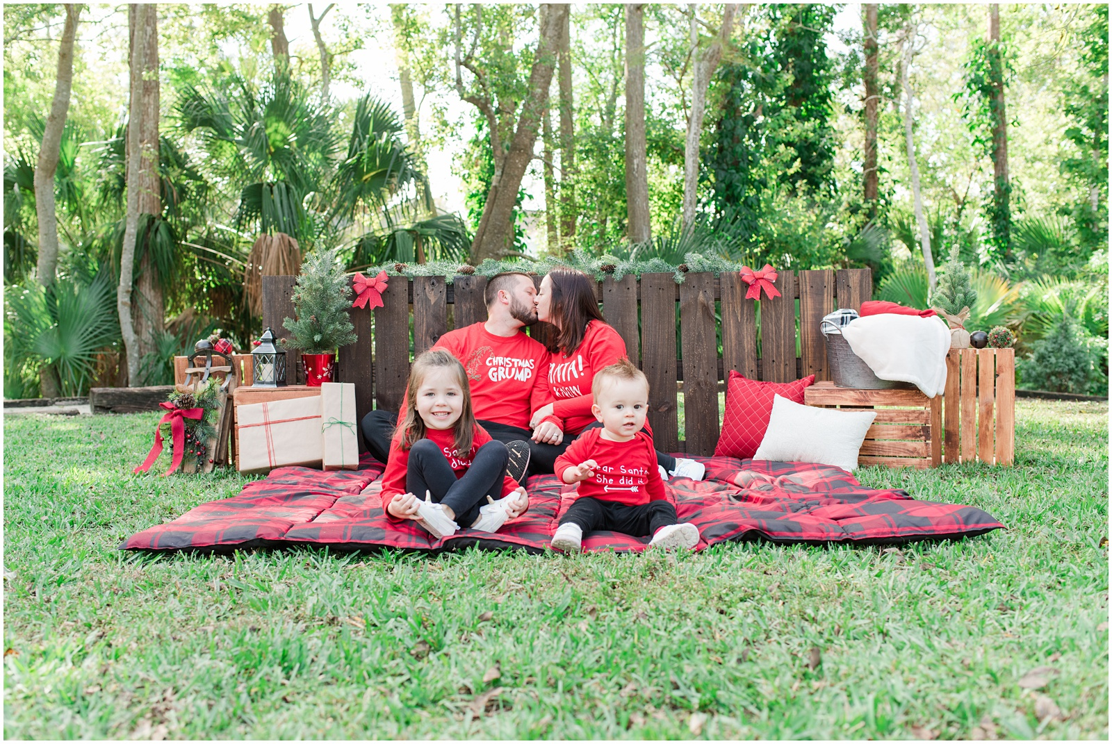 Christmas_Mini Sessions_Holidays_Howell Park_Jacksonville_Florida_16.jpg