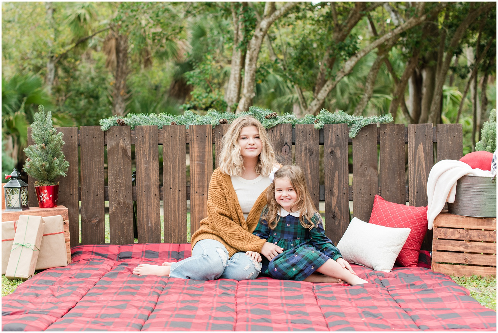 Christmas_Mini Sessions_Holidays_Howell Park_Jacksonville_Florida_27.jpg