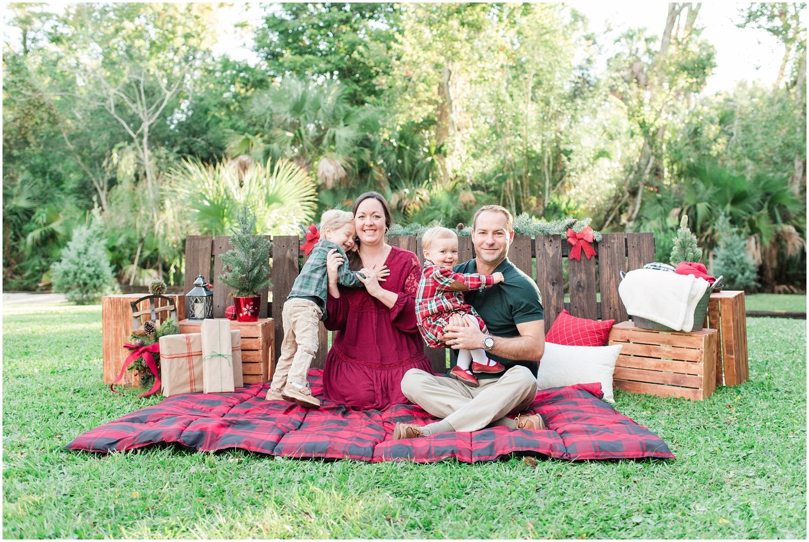 Christmas_Mini Sessions_Holidays_Howell Park_Jacksonville_Florida_33.jpg