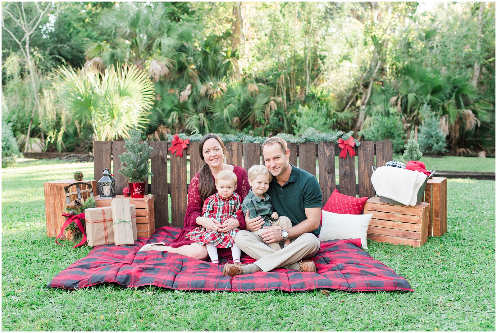 Christmas_Mini Sessions_Holidays_Howell Park_Jacksonville_Florida_32.jpg