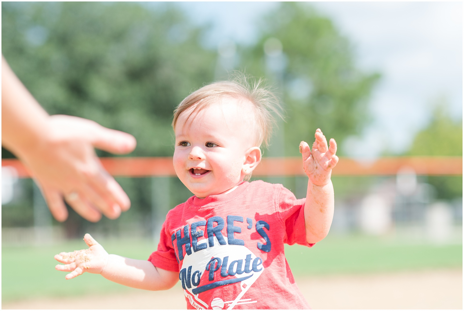 One Year_Baby_Portraits_Baseball_Field_25.jpg