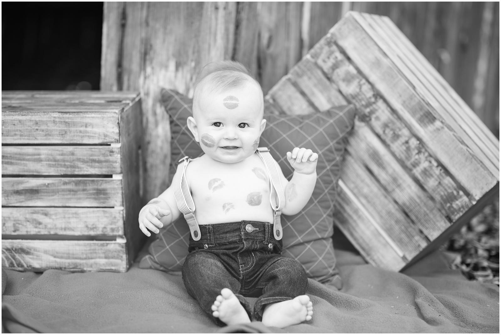 Baby_Portraits_6 Months_Valentine's Day_Walter Jones Park_12.jpg