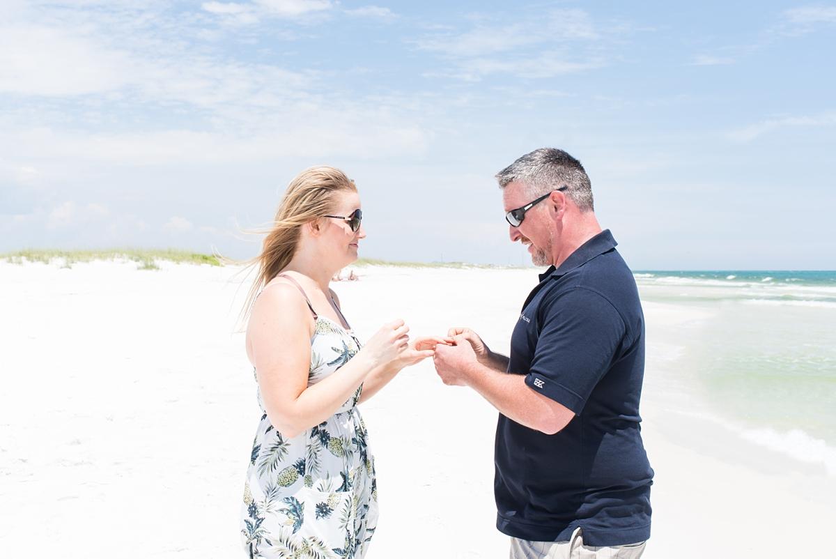 DestinBeach_Florida_Surprise_Proposal_Ocean_Portraits_8.jpg