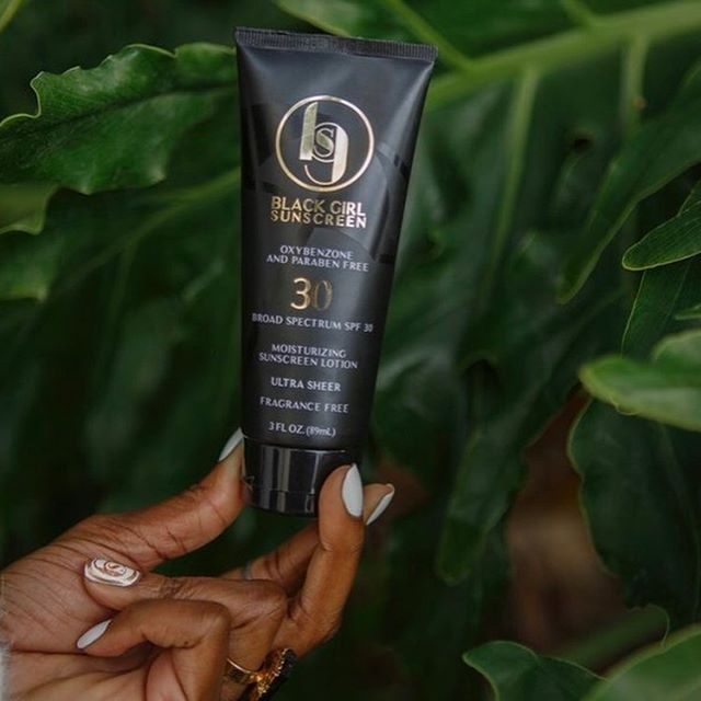 #Funfact about the TSB team: We LOVE The Friend Zone podcast and take HeyFranHey's wellness segment very seriously lol. We've been on the hunt for the best sunscreens for black skin and these not only came up multiple times, but were HeyFranHey approved.  Swipe to see the top 3 sunscreens for POC to try.  Tag a friend who may need this!  ___  Want to learn more? Read our latest post, SAVING MELANIN- HOW TO STAY MOISTURIZED AND ENERGIZED FOR THE SUMMER on TwentySomethinAndBlack.com! ✨