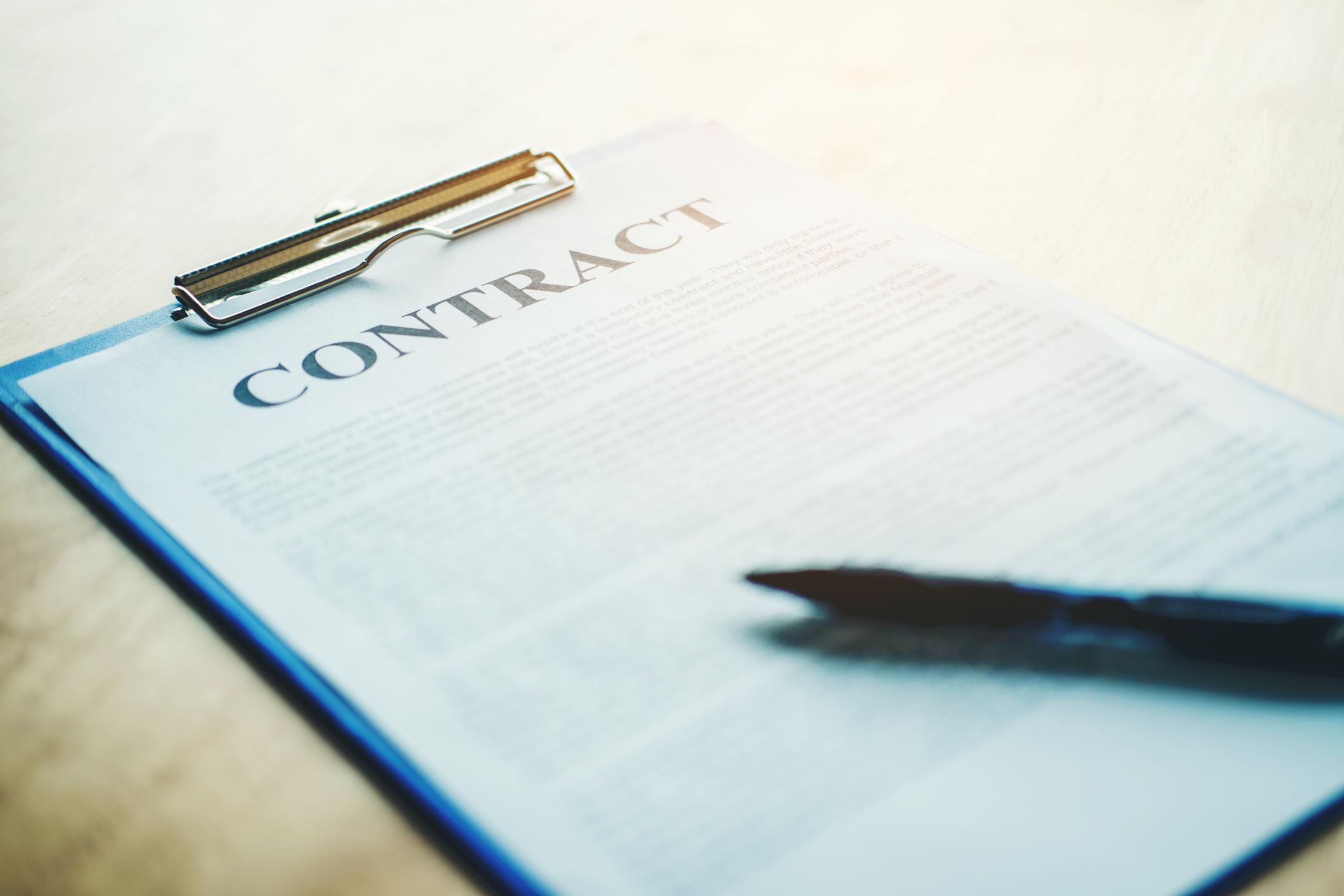Contract_iStock-919426172.jpg