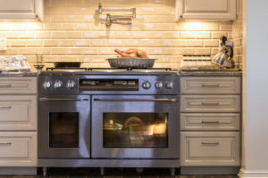 How to Properly Vent your Kitchen During Thanksgiving Preparation