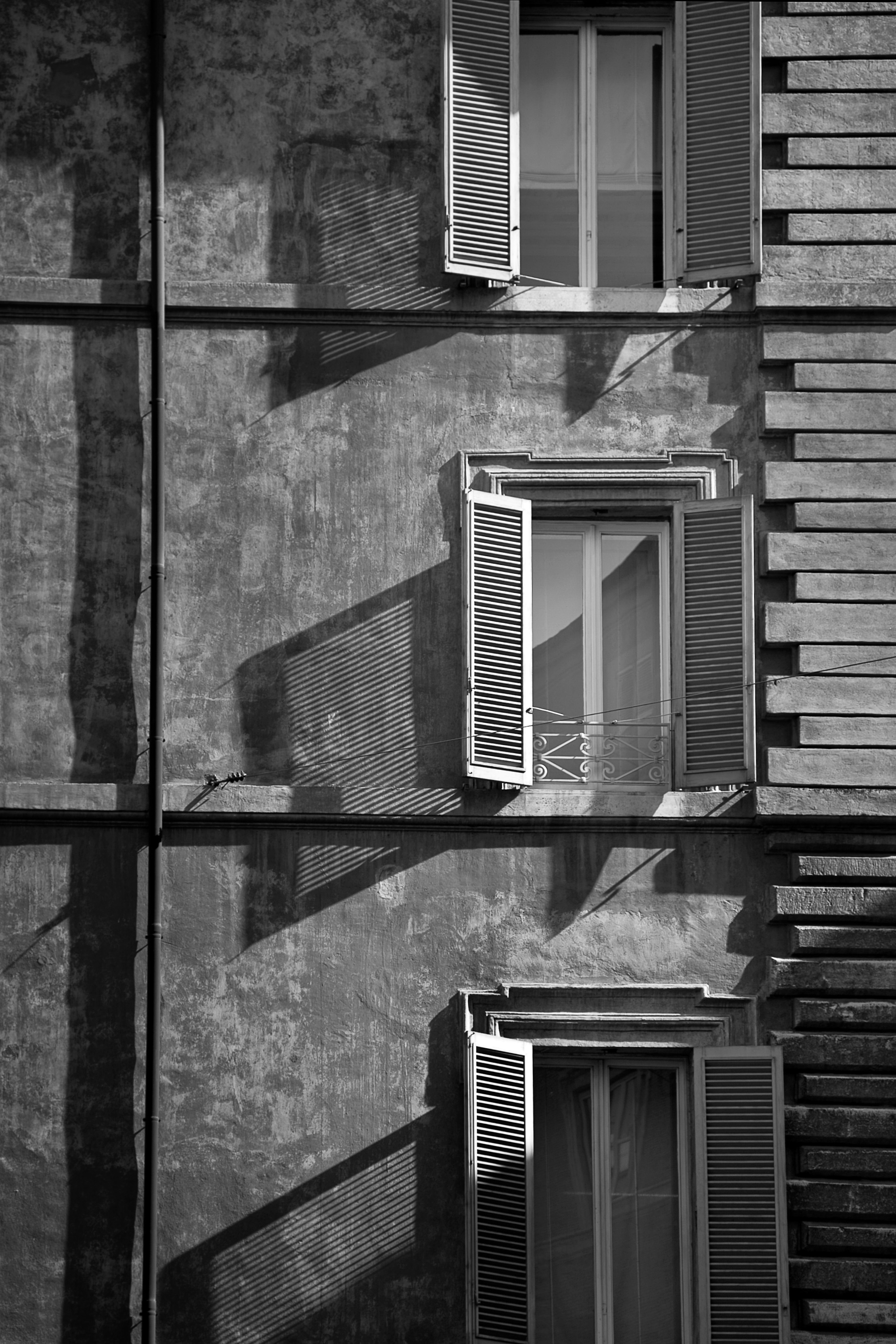 Window Shadows, Rome
