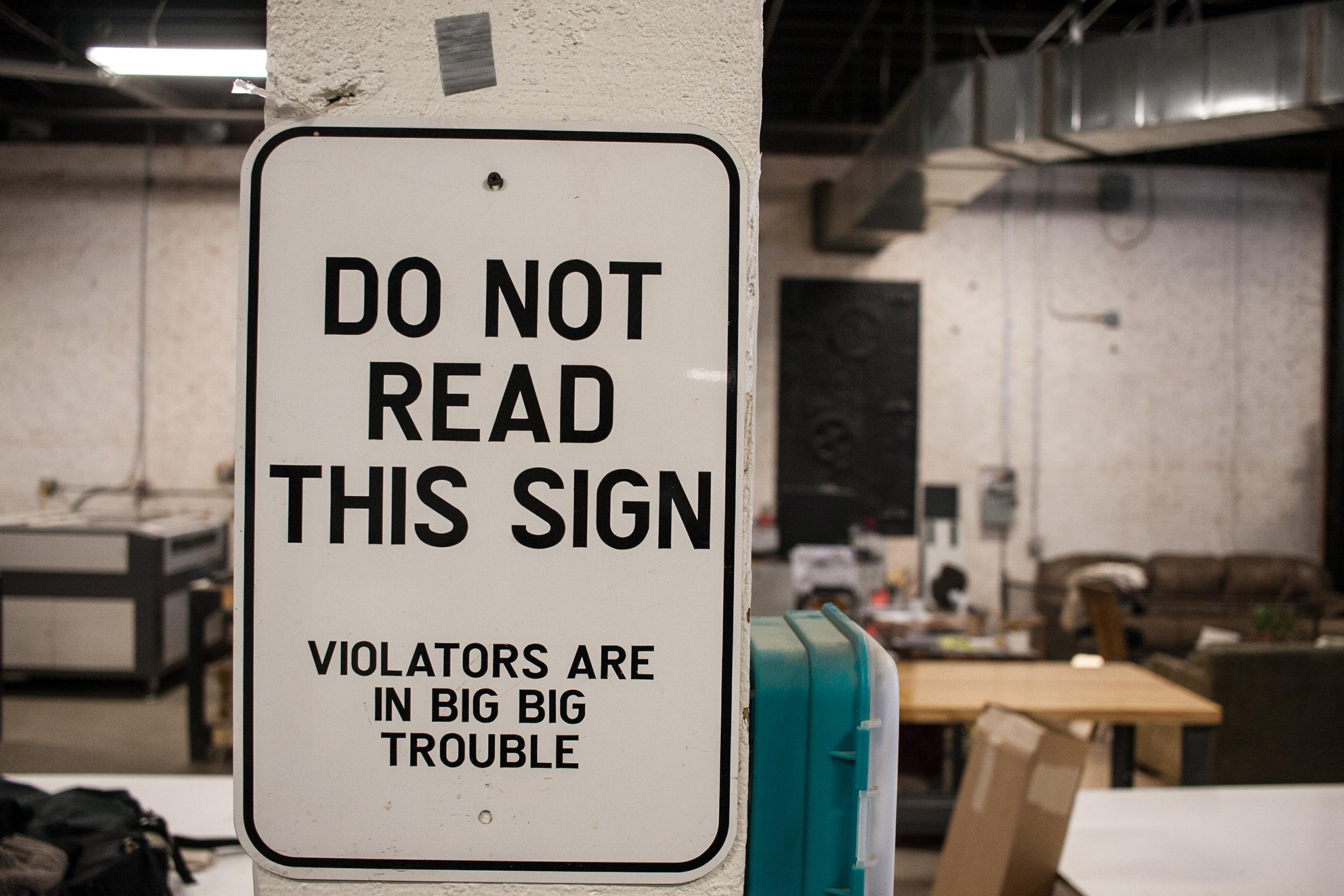 sign-404-001.jpg