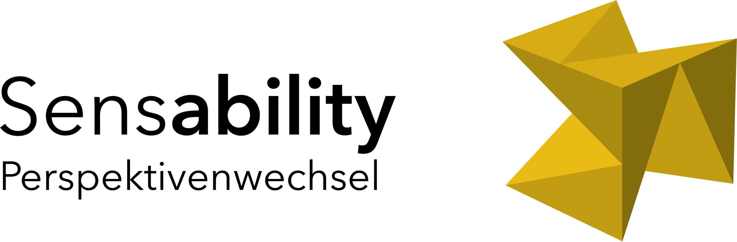 """Themen-Logo Perspektivenwechsel: Schrift """"Sensability Perspektivenwechsel"""" mit Würfel in der Farbe Senfgelb"""