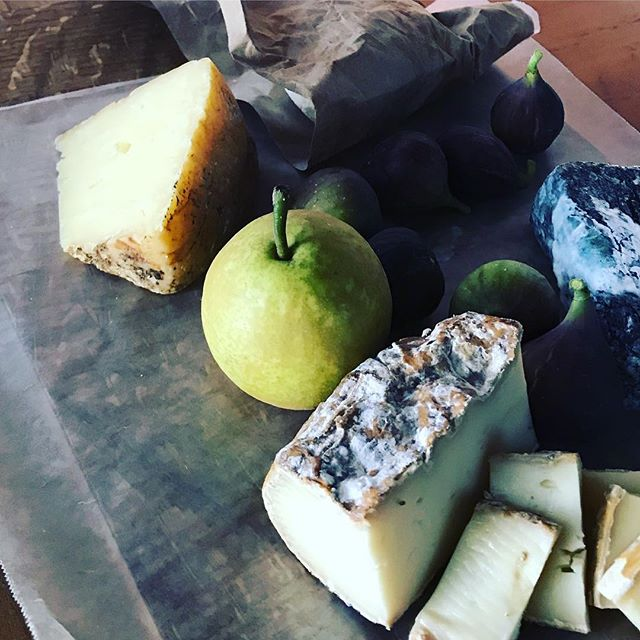 That luscious chunk in the foreground is #noahsarcade made by @twentypaces sheep dairy in #charlottesville #virginia. We love the cheeses addictive rind and velvety rich innards. Way to go, Tom, Bridge and Kyle! #southerncheeses #southerncheeserocks #farmsteadsheepcheese
