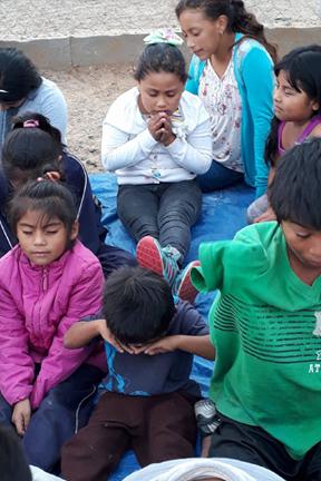 oaxaca_children praying.png